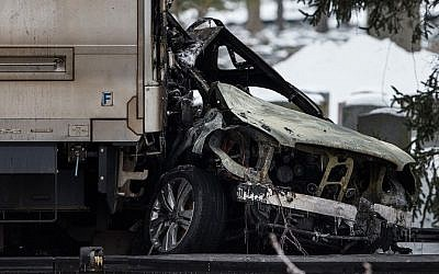 A Metro-North train collided with an SUV in Valhalla, NY, leading to six fatalities, including the driver of the car, February 3, 2015 (Photo credit: Andrew Burton/Getty Images/JTA)