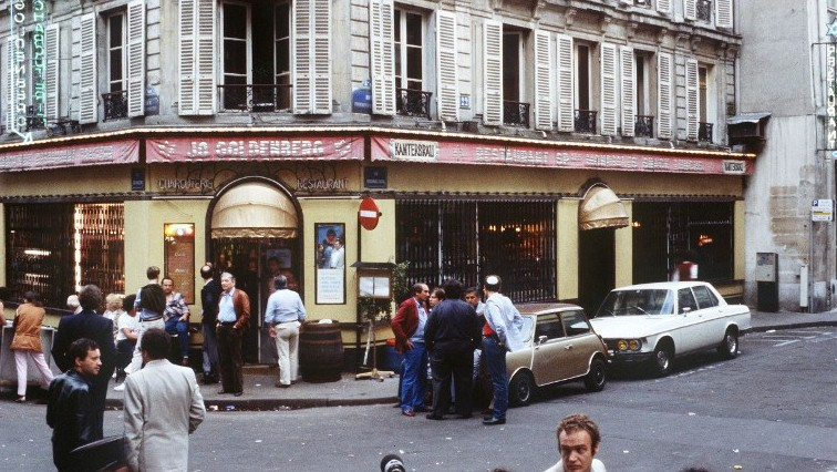 This file picture dated August 11, 1982 shows people standing in front of the Chez Jo Goldenberg restaurant in Paris, two days after it was devastated in an attack by Palestinian gunmen (AFP/ JOEL ROBINE)