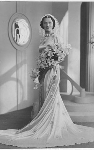 One of Boris Bennett's vintage bridal portraits which are highlighted in the current Jewish Museum London exhibit, 'For Richer For Poorer: Weddings Unveiled.' (courtesy)