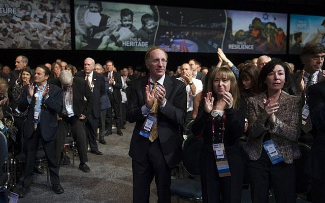 The audience stands to applaud Sen. Lindsey Graham, R-S.C., while he speaks at the American Israel Public Affairs Committee (AIPAC) Policy Conference in Washington, Sunday, March 1, 2015 (AP Photo/Cliff Owen)