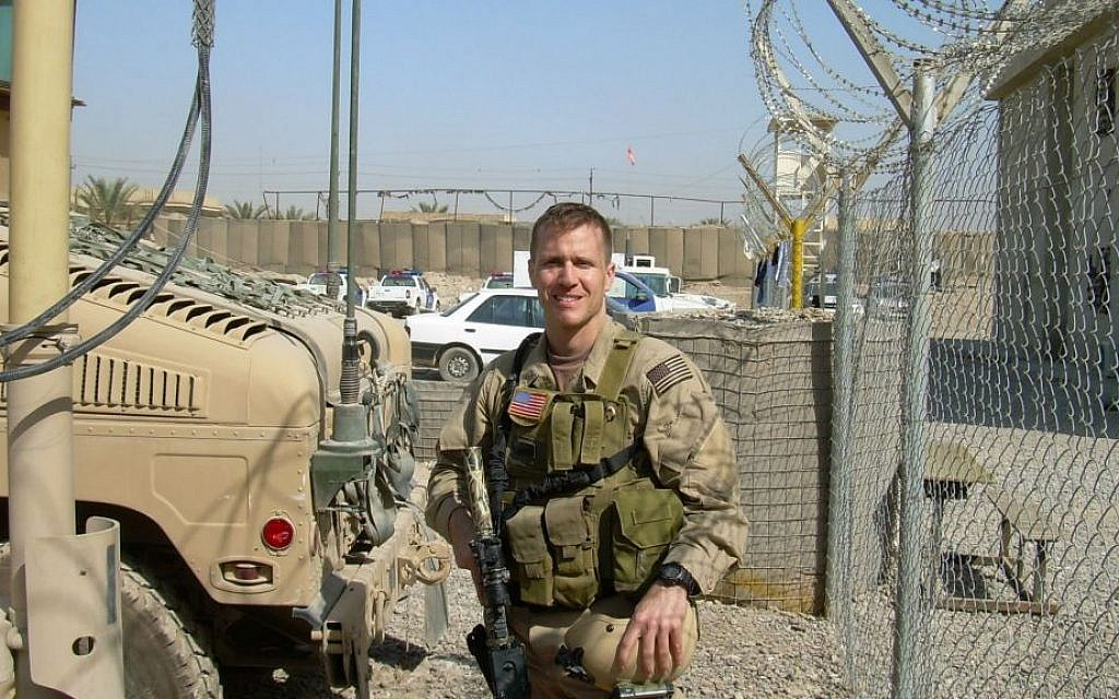 Eric Greitens as a Navy SEAL in Iraq. (Courtesy of Rubenstein Public Relations/JTA)