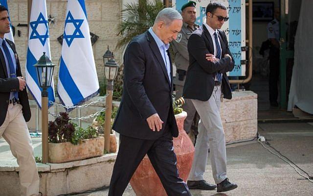 Prime Minister Benjamin Netanyahu visits Border Police headquarters in Jerusalem, on March 11, 2015. (photo credit: Emil Salman / pool)