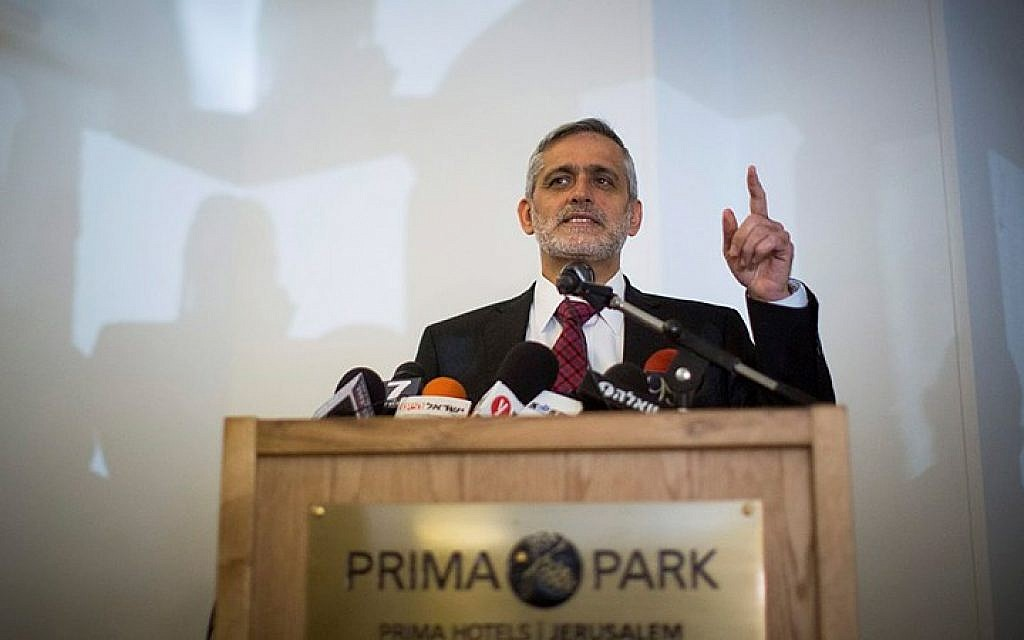 Leader of right wing party Yachad, Eli Yishai, speaks during a press conference in Jerusalem March 19, 2015. (photo credit: Yonatan Sindel/Flash90)