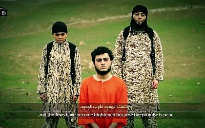 Muhammad Said Ismail Musallam, an Arab from East Jerusalem held captive by the Islamic State group for allegedly being a Mossad spy, shown in a video apparently showing his execution, March 10, 2015. (screen capture: YouTube)