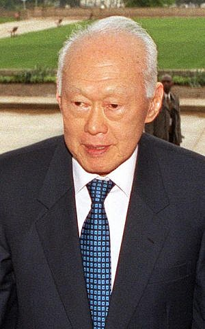 Former prime minister of Singapore Lee Kuan Yew in 2002 (photo credit: Wikimedia Commons, public domain/Robert D. Ward)