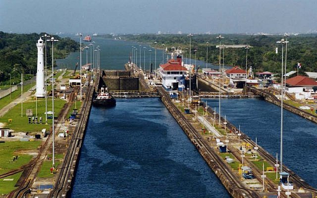 The Gatun Locks in the Panama Canal (photo credit: Stan Shebs)