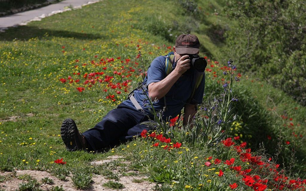 Photographing on the Jerusalem Trail (Photo credit: Shmuel Bar-Am)