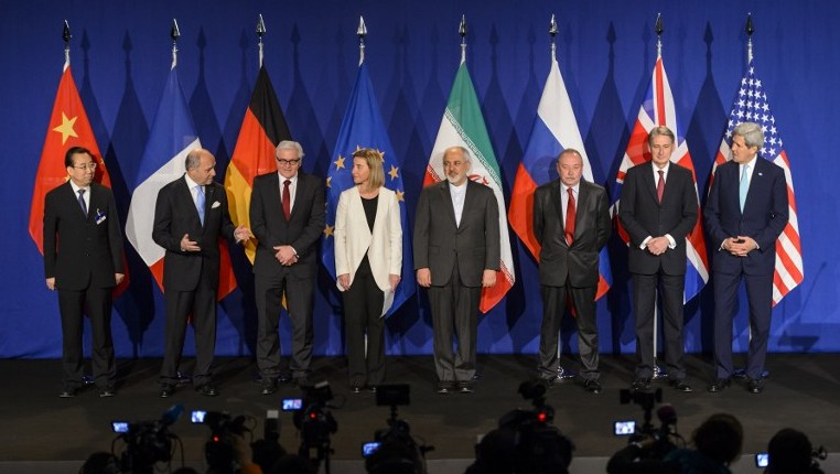 Representatives from world powers and Iran posing prior to the announcement of an agreement on Iran nuclear talks in Lausanne, Switzerland, April 2, 2015. (Fabrice Coffrini/AFP)