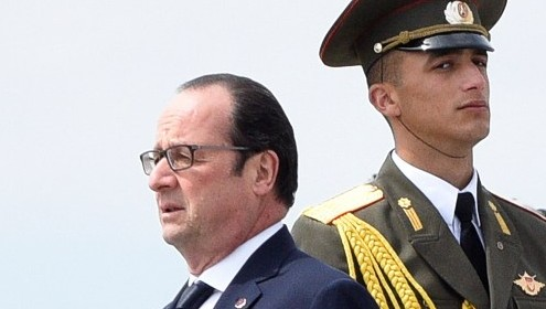 French President Francois Hollande arrives to attend a commemoration ceremony for the 100th anniversary of the Armenian genocide at the Tsitsernakaberd Memorial in Yerevan, Armenia on April 24, 2015 (Photo credit: Karen Minasyan/AFP)