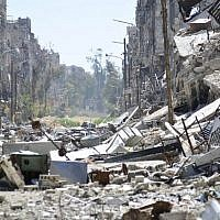 A general view showing the destruction in the Yarmouk Palestinian refugee camp in the Syrian capital of Damascus, April 6, 2015. (AFP/STR)