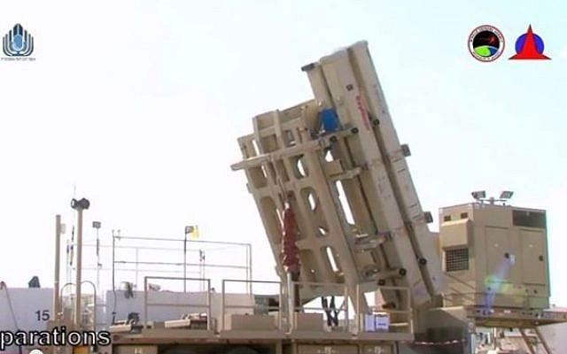 David's Sling missile defense system in action, published April 1, 2015 (photo credit: Youtube screenshot / Haaretz הארץ)