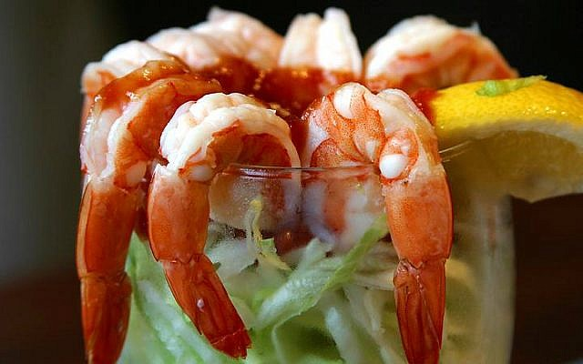 Illustrative photo of a shrimp cocktail. (Jon Sullivan/CC/Wikipedia)