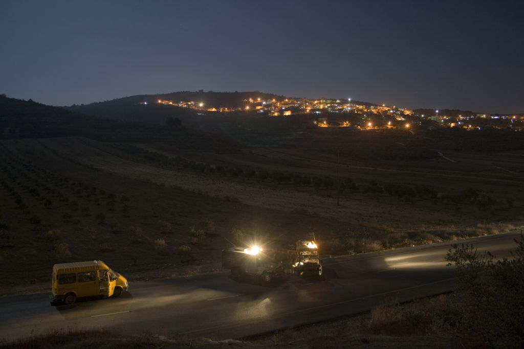 IDF reservists outside Jenin (Photo credit: Matanya Tausig / Flash 90)