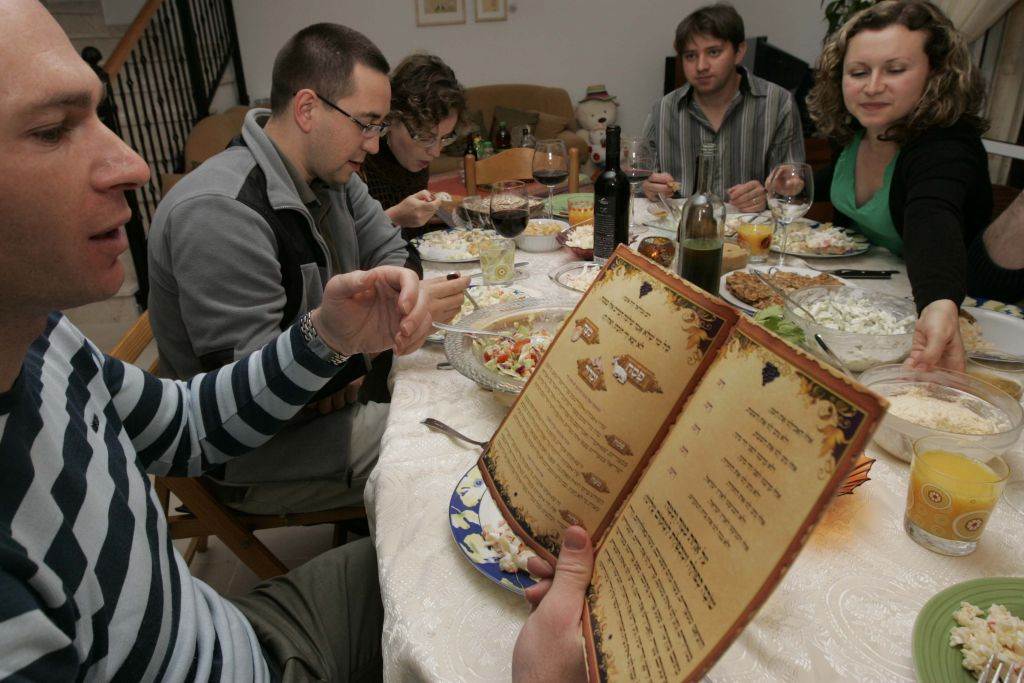 Young Jewish immigrants from Russia celebrate the Passover  seder in Tzur Hadassa, April 8, 2009. Anna Kaplan/ Flash90)