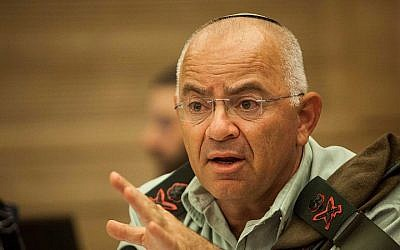 Yair Naveh, former deputy IDF chief of staff, in a session of the Knesset's State Control Committee on June 19, 2012. (Uri Lenz/FLASH90)