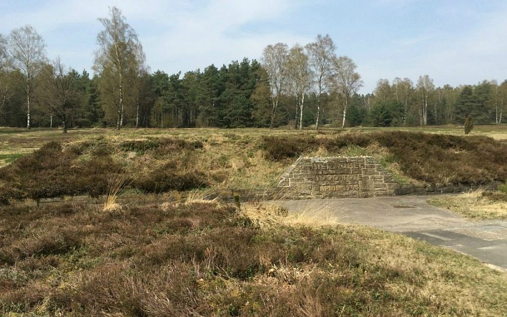 Berm covering mass grave at site of Bergen-Belsen concentration camp. April 24, 2015 (photo credit: Renee Ghert-Zand/Times of Israel)
