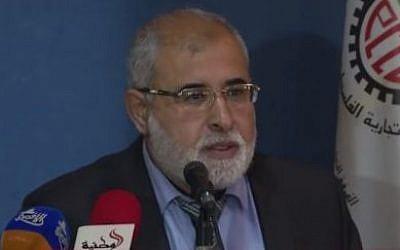 Hamas MP Jamal Nassar speaks to Gaza merchants, April 19, 2015 (photo credit: YouTube image)