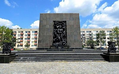 Monument to the Ghetto Heroes in Warsaw, Poland. (CC BY-SA/Adrian Grycuk/Wikimedia Commons)