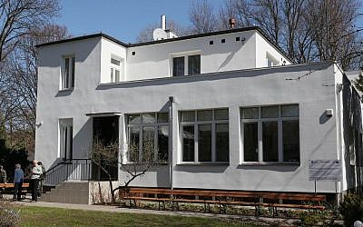 A villa on the grounds of the Warsaw Zoo where dozens of Jews were sheltered during World War II, in Warsaw, Poland, April 9, 2015  (Photo credit: Czarek Sokolowski/AP)