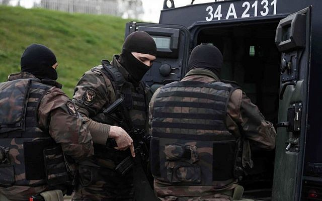 Illustrative photo of members of special security forces  in Istanbul, Turkey, Tuesday, March 31, 2015. (AP/Emrah Gurel)