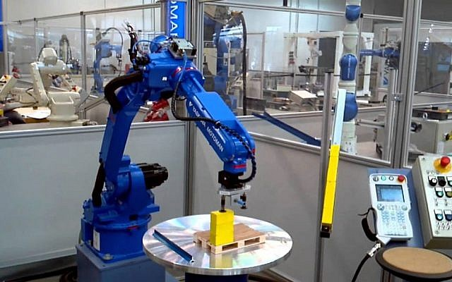 A Yaskawa robot in action (Photo credit: Courtesy)