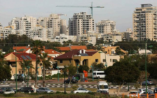 Apartment and office buildings in Ashkelon, January 2015. (Nati Shohat/Flash90)