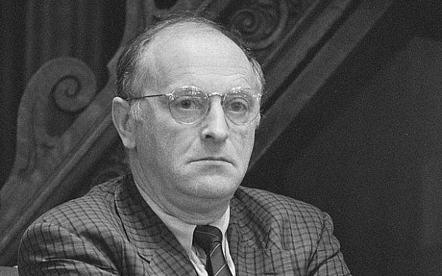 Russian-born Jewish poet Joseph Brodsky in 1988. (Photo credit: CC BY-SA, Dutch National Archives/Wikimedia)