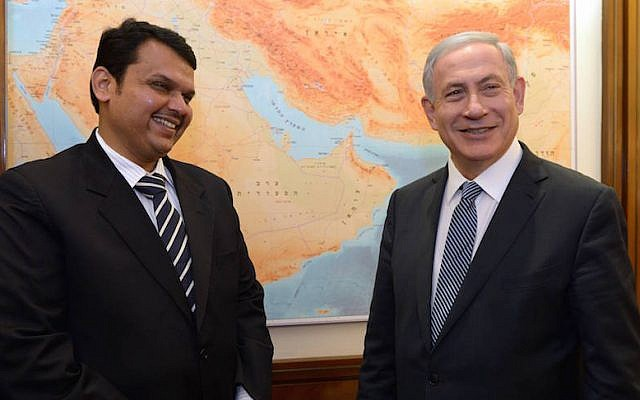 Prime Minister Benjamin Netanyahu (R) meets with Chief Minister of the Indian state of Maharashtra, Devendra Fadnavis at PM Netanyahu's office in Jerusalem on April 29, 2015. (Photo credit: Haim Zach/GPO)