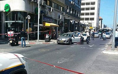 Emergency medical services respond to a shooting in which one man died and two were injured in Haifa's downtown on April 30, 2015. (Photo credit: courtesy of United Hatzalah of Haifa)