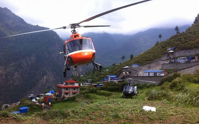 Rescue helicopters airlift Israeli backpackers to safety in Nepal, April 28, 2015 (Alon Lavi/MFA)