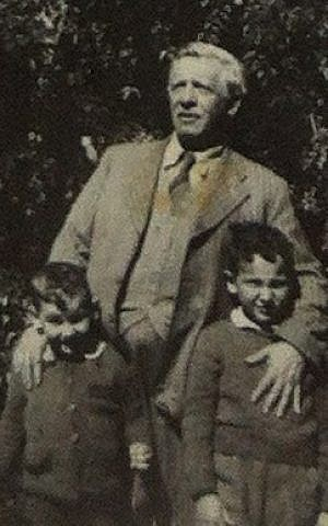 The young Reuven (right), with his father Joseph and brother Eliezer (photo credit: Courtesy: Beit Hanassi)