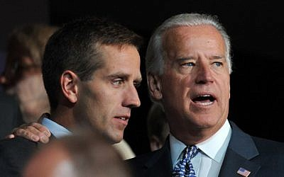 Joe Biden, right, is seen with his son Beau Biden in Denver, Colorado, on August 25, 2008. (AFP/Paul J. RICHARDS)