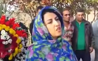 Prominent human rights activist Narges Mohammadi speaking in Iran, October 30, 2014. Iranian opposition websites and rights groups focused on the country, such as the Kaleme.com website and the Norway-based Iran Human Rights group, said Mohammadi was arrested by state security forces Tuesday, May 5, 2015. (screen capture: YouTube)