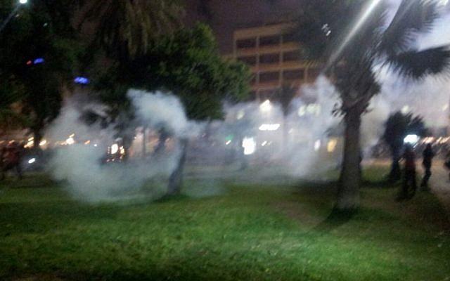 Smoke in Rabin Square on May 3, 2015 (photo credit: Judah Ari Gross/Times of Israel)