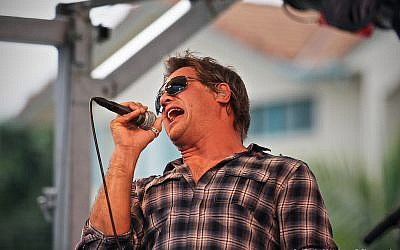 Jon Stevens in concert (CC BY-ND JamesDPhotography/Flickr)