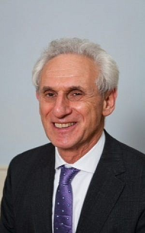 Head of Board of Jewish Deputies candidate Alex Brummer is the city editor of the Daily Mail. (courtesy)