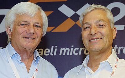 Shmuel Barkan, dr(L) and Shlomo Gradman at ChipEx2015 (Photo credit: Courtesy)