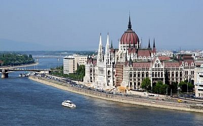 Budapest's parliament building (Wikipedia/AngMoKio, CC BY-SA 2.5)