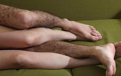 An illustration of lovers (Photo credit: Yossi Zamir/Flash 90)