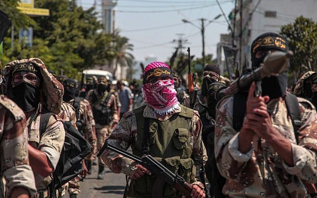 Palestinian Islamic Jihad supporters celebrate what they said was a victory over Israel in Gaza City, August 29, 2014 (Emad Nassar/Flash90)