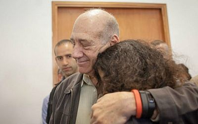 Former prime minister Ehud Olmert seen at the Jerusalem District Court for a sentencing hearing, a month after the court found Olmert guilty of fraud and breach of trust in the Talansky affair. May 05, 2015. (Emil Salman/Pool/Flash90)