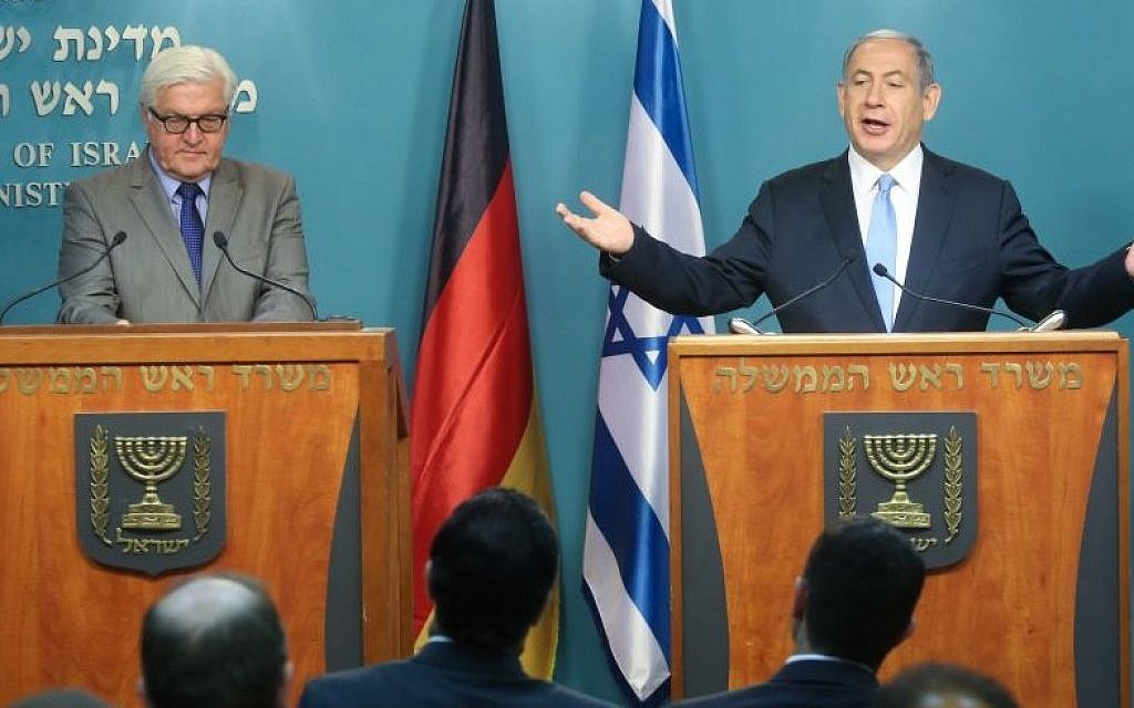 Israeli Prime Minister Benjamin Netanyahu, right, holds a joint press conference with German Foreign Minister Frank-Walter Steinmeier in Jerusalem on May 31, 2015 (Marc Israel Sellem/POOL/FLASH90)