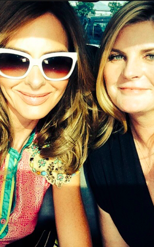 British trendsetters Trinny and Susannah take a selfie during their recent Israel trip (Courtesy official Facebook page)