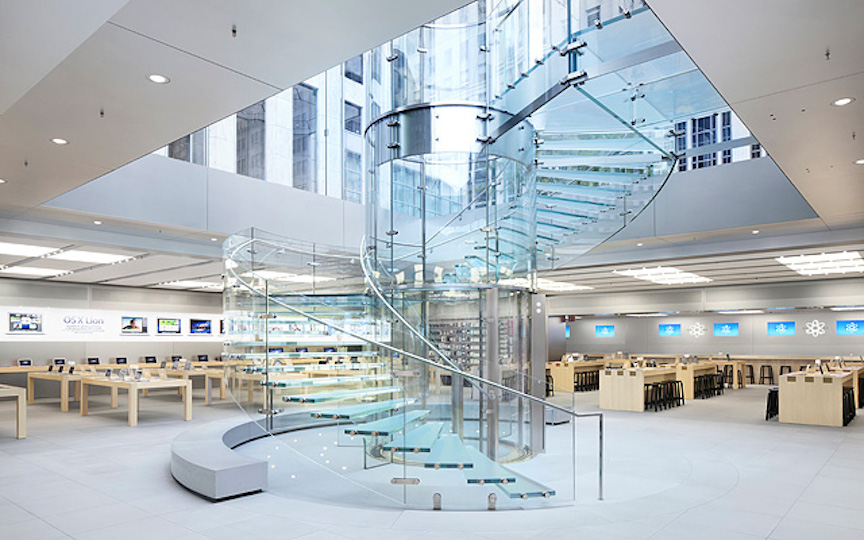 The glas staircase at Apple's Fifth Avenue store in Manhattan (Photo credit: Apple)