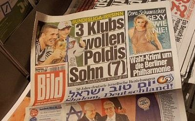German daily newspaper The Bild features the Hebrew-languages headline 'Good day Israel' to mark 50 years of ties between Israel and Germany, May 12, 2015. (JTA/Toby Axelrod)