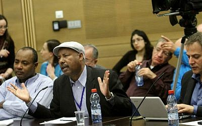 MK Avraham Neguise speaks in a committee meeting at the Israeli Knesset in 2012. (Photo by Miriam Alster/FLASH90)