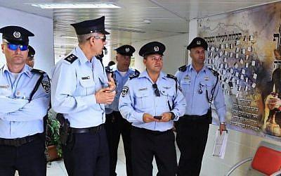 Illustrative photo: Israeli police officers in Bet Shemesh, on March 17, 2015. (Yaakov Naumi/FLASH90)