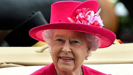 Britain's Queen Elizabeth II, June 16, 2015. (AFP/BEN STANSALL)