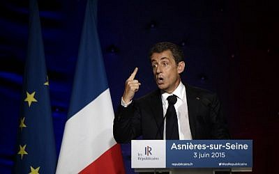 Nicolas Sarkozy, former French president and leader of France's  Republican Party speaks during a meeting on June 3, 2015. (AFP Photo/Lionel Bonaventure)