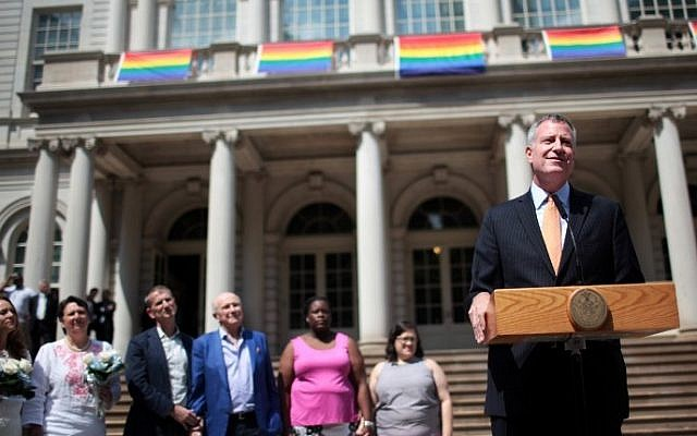New York City Mayor Bill de Blasio prepares to marry same-sex couples in front of City Hall on June 26, 2015 in New York City. (Yana Paskova/Getty Images/AFP)